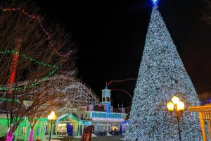 Christmas Fun in Connecticut: Holiday Lights & Santa Express